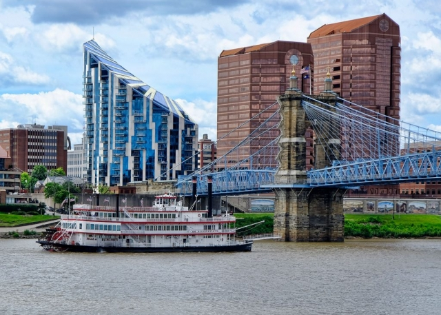 riverboat,Cincinnati